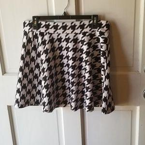 Decree XL Houndstooth Skater Skirt